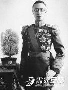 溥仪得知日本投降为何向东叩首还打自己两个嘴巴